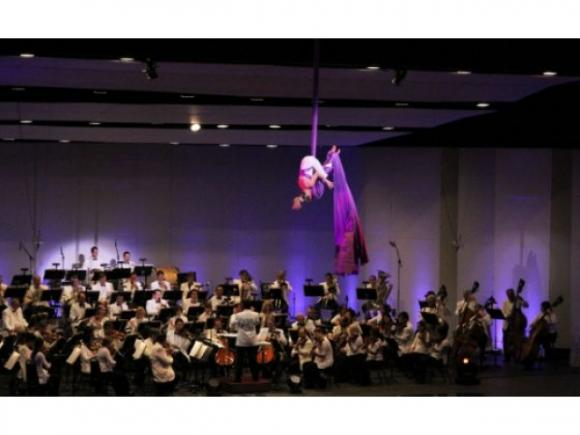 Charlotte Symphony Pops: Cirque Goes To The Cinema at Belk Theater